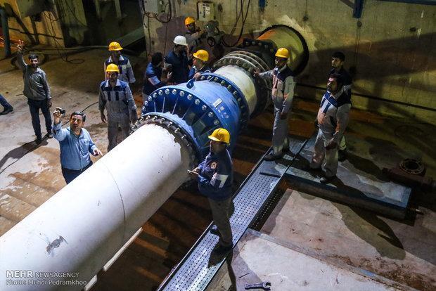 انتقال آزمایشی آب غدیر به روستاهای آبادان شروع شد