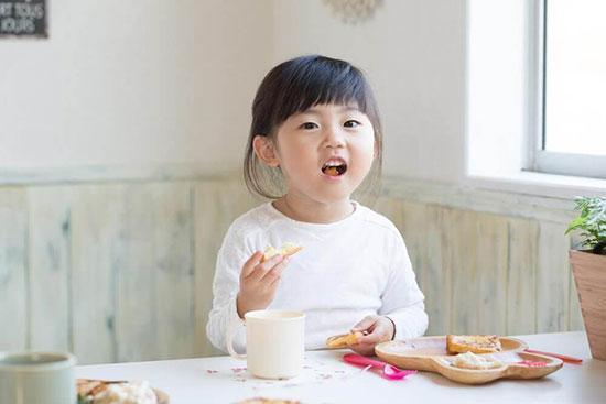 دو نوع رژیم غذایی برای بچه ها چاق!