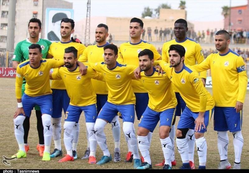 حاشیه دیدار نفت مسجدسلیمان - استقلال، اعلام ترکیب نفت و حضور هواداران استقلال در ورزشگاه